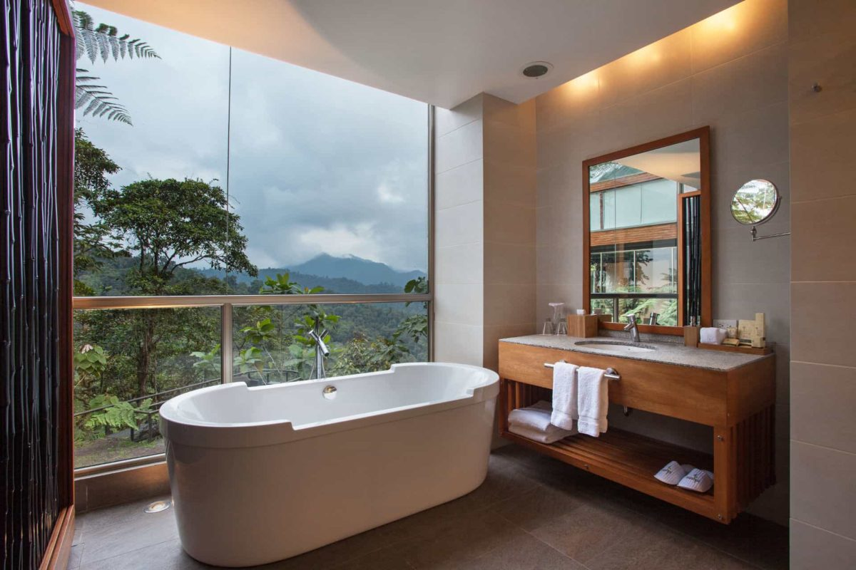 MP10034-Mashpi-Lodge-Bathroom-1200x800.jpg