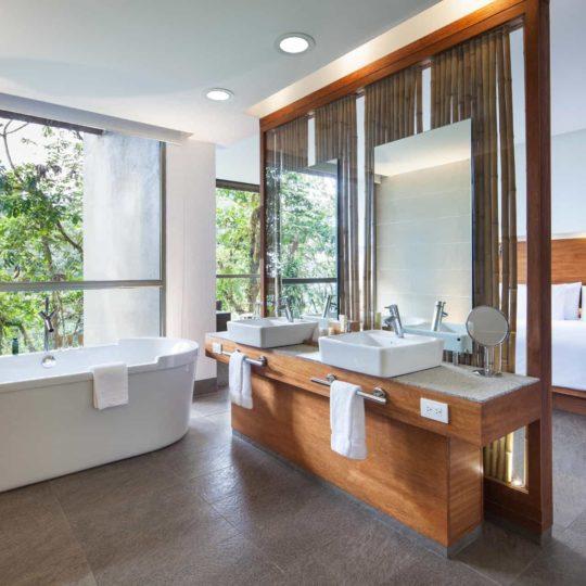 Mashpi Lodge's bathroom