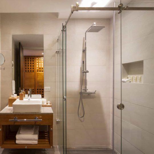 Mashpi Lodge's shower