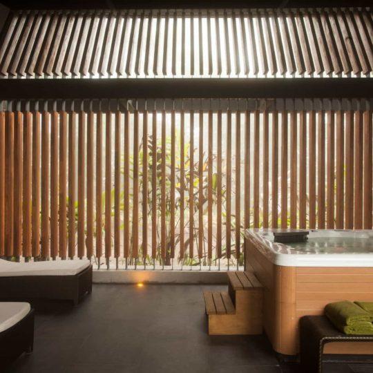 Open air hot tub at Mashpi Lodge