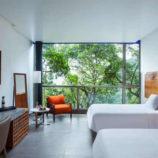 Double bed at Wayra room in Mashpi Lodge